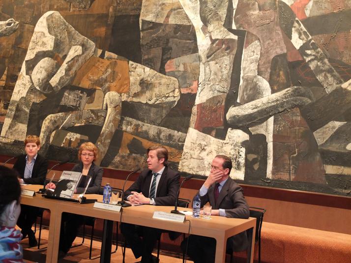 De dr. a iz Manuel fontán, Javier Gomá, Fabienne Eggelhöfer y Marianne Keller Tschirren