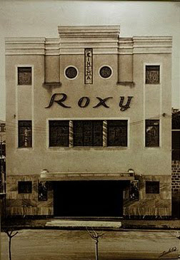 Fachada del cine Roxy en el año 1936