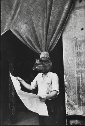 Livorno, Toscana, Italia, 1933 Gelatina de plata, copia realizada en los años 80 Centre Pompidou, Musée national d'art moderne, compra realizada gracias al mecenazgo de Yves Rocher, 2011, Antigua Colección Christian Bouqueret, París © Henri Cartier-Bresson/Magnum Photos, cortesía Fundación Henri Cartier-Bresson