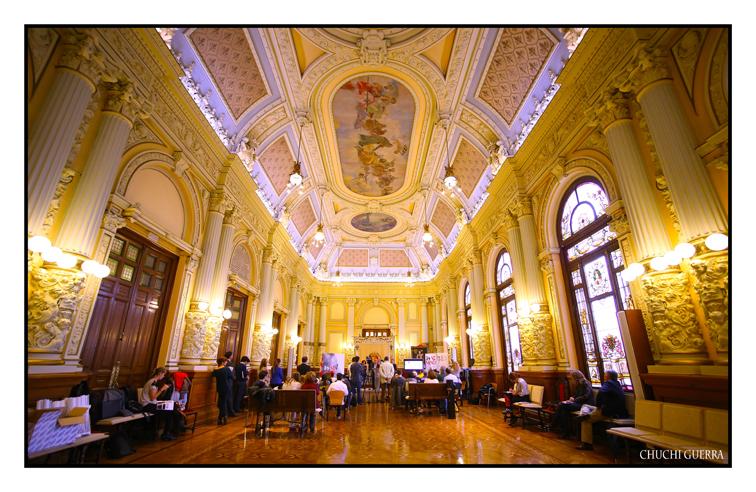Aspecto del impresionate salón de actos del Ayuntamiento de Valladolid
