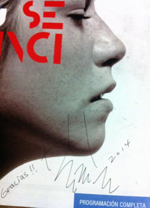 Bonito recuerdo del programa con la firma del director Bong Joon Ho