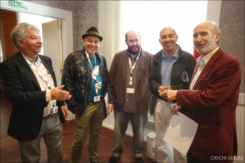 Algunos directores de festivales de cine junto a Javier Angulo