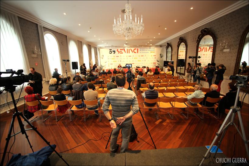 Aspecto del Salón de los Espejos del Teatro Calderón en la presentación de Quercus II