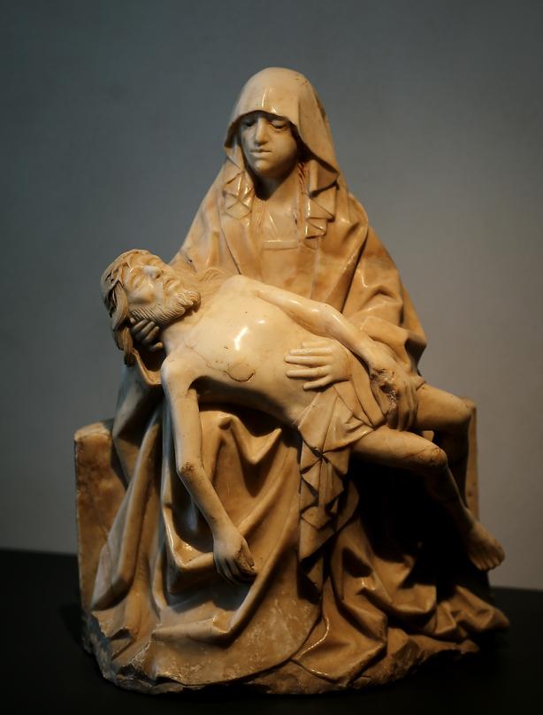 Piedad. Alabastro. Anónimo, siglo XVI