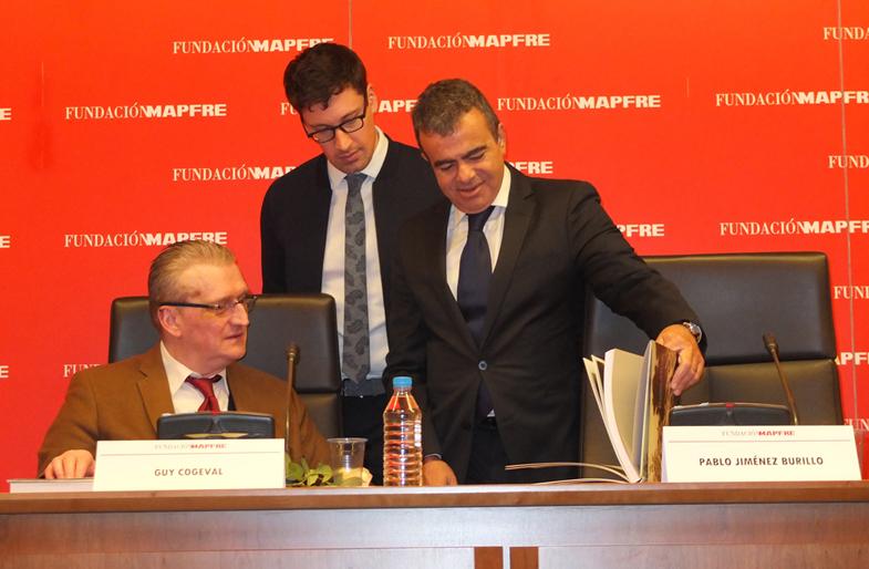 De izquierda a derecha: Guy Cogeval, presidente del Museé d'Orsay; Côme Fabre, comisario científico de la exposición; y Pablo Jiménez Burillo, Director del Área de Cultura de la Fundación Mapfre, momentos antes de presentar la exposición el pasado 13 de febrero de 2015. Fotografía: LJC