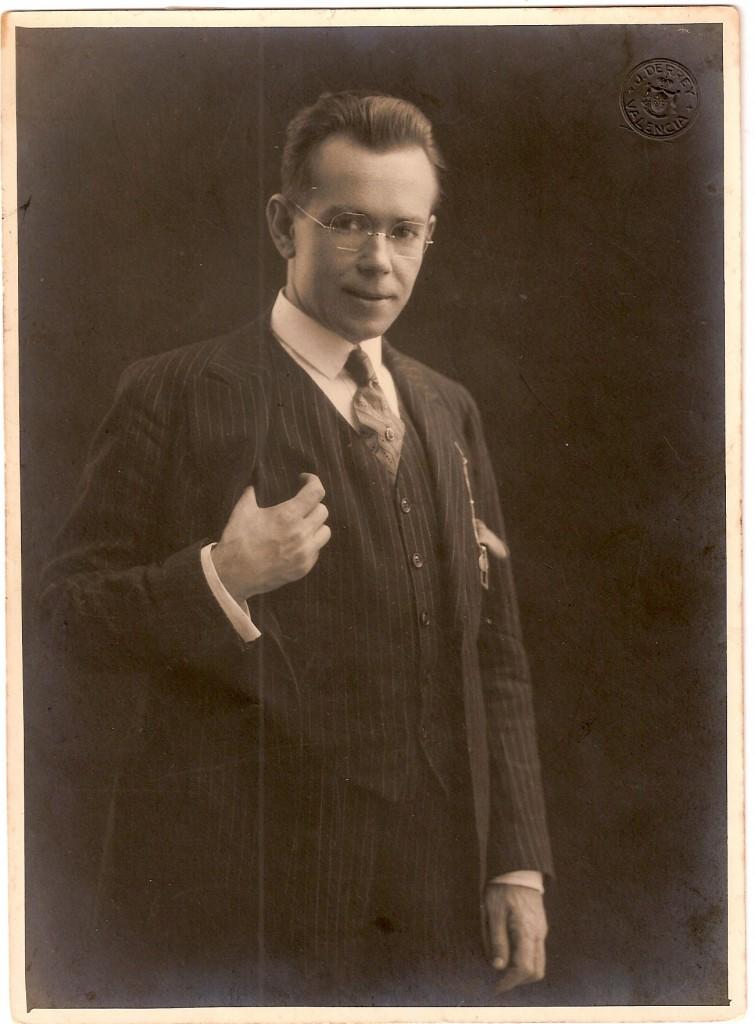 Fotografía de Vicente Ballester en Valencia en  octubre de 1926