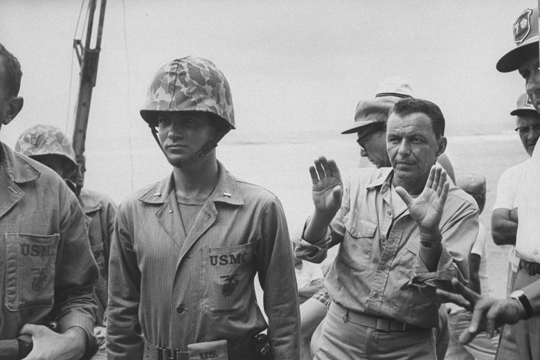 Todos fueron valientes con Frank Sinatra en labores de dirección, 1965