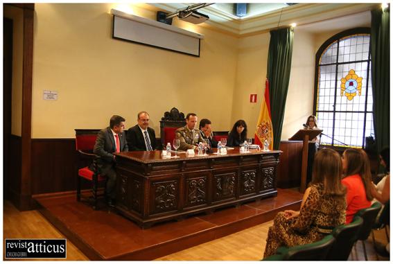 De iz a dr: José Carlos Palomino Vergara, Fernando Rey, Manuel Gorjón, Alejandro Tudela, Ana Redondo y al fondo, en el atril, Pilar Cañibano