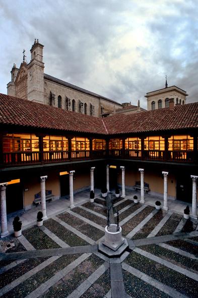 Palacio de los Condes de Ribadavia, en la calle Angustias. Foto: Haciendo Clack